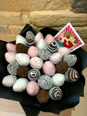 клубника в шоколаде букет, клубничный букет, букет из клубники в Сочи
